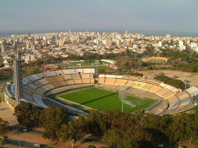 Estádio Centenário e Museu do Futebol em Montevidéu | Uruguai