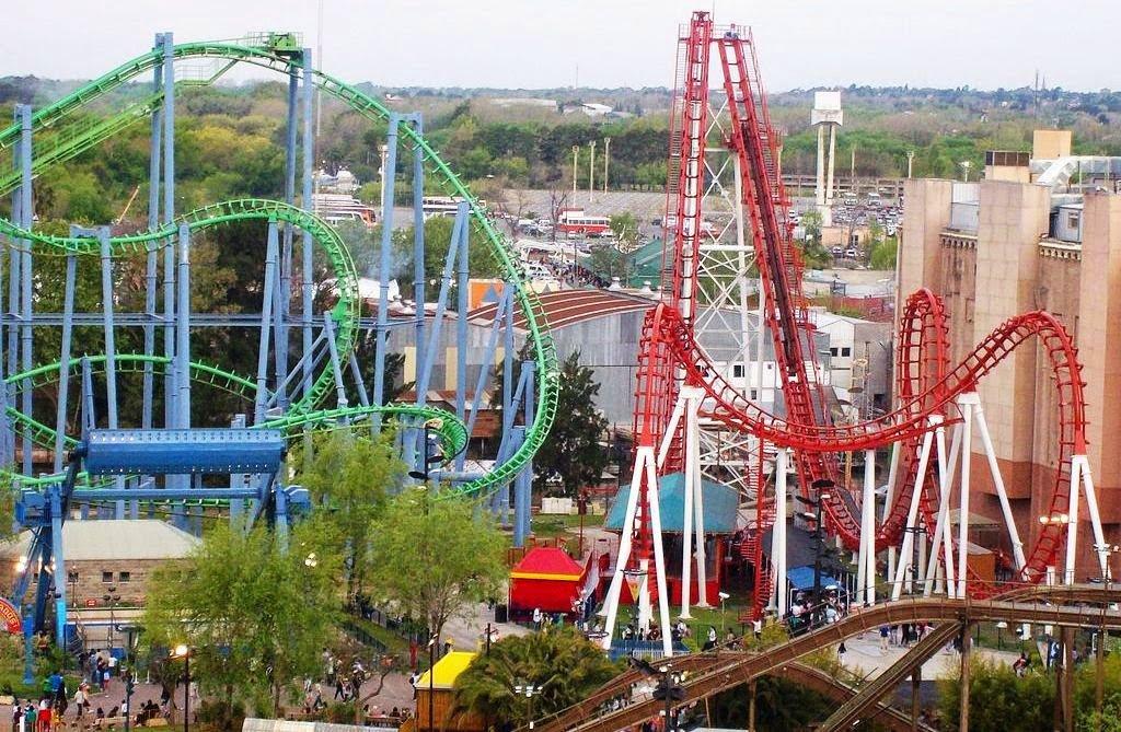 Atrações do Parque de diversões Fantasilandia