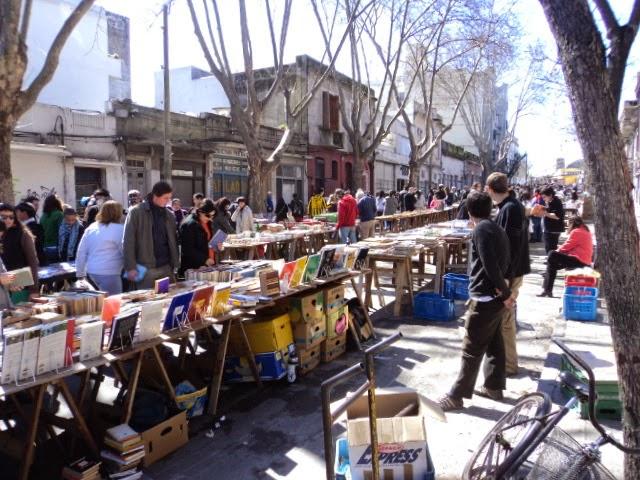 Feira de Tristán Narvaja em Montevideo