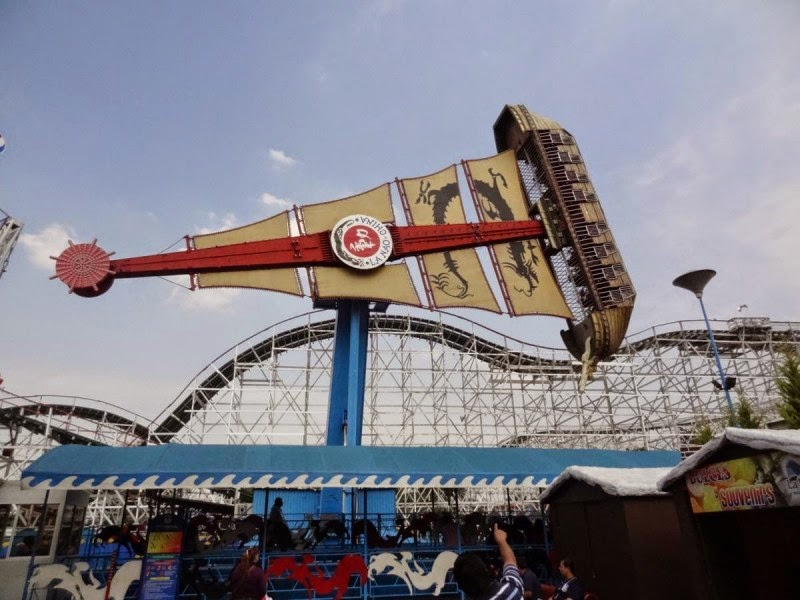 Barco do Parque La Feria Chapultepec Mágico na Cidade do México