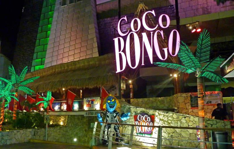 Noite em Cancún