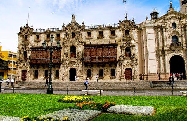 Palácio Arquiepiscopal de Lima no Peru