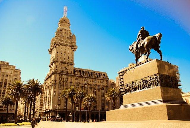 Praça Independência em Montevidéu | Uruguai