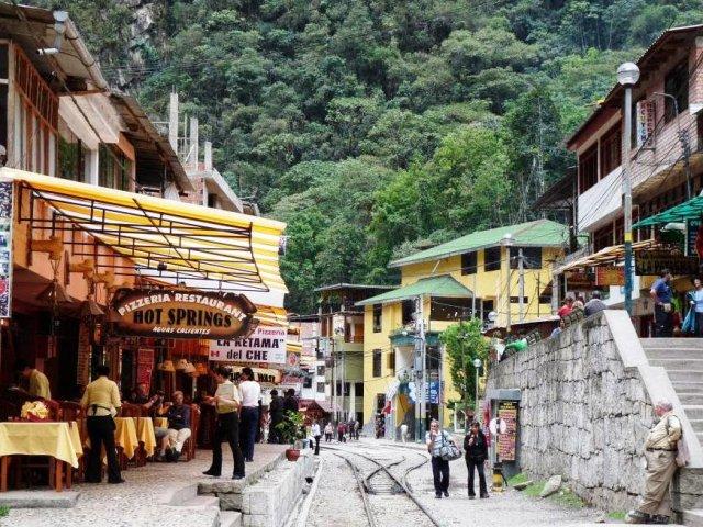 Vilarejo Águas Calientes em Machu Picchu | Peru