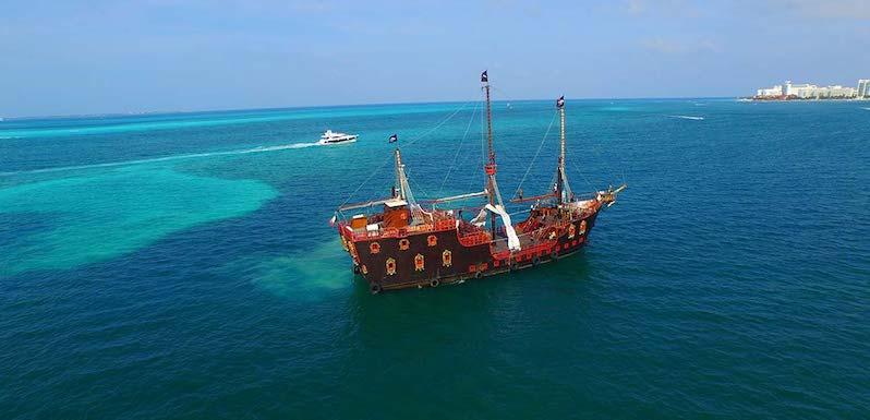 Cruzeiro-Jantar do Capitão Gancho em Cancún