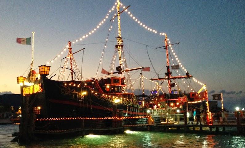 Barco do Capitão Gancho em Cancún