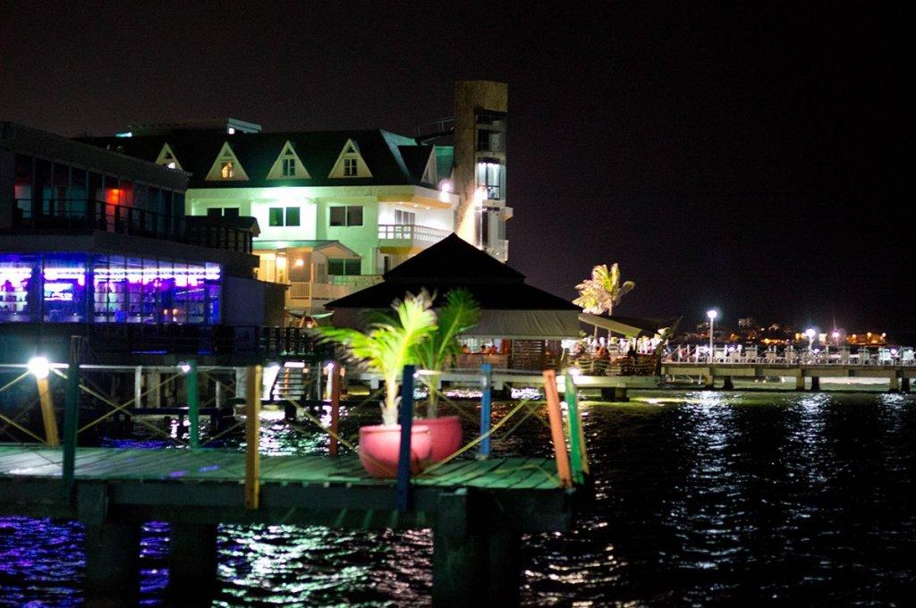 Balada e um bom restaurante em San Andrés
