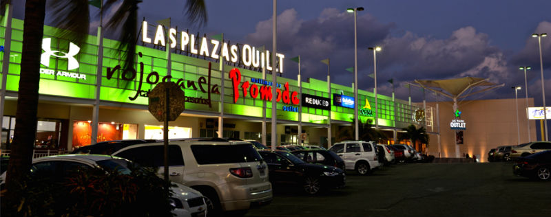 Lojas no Las Plaza Outlet em Cancún