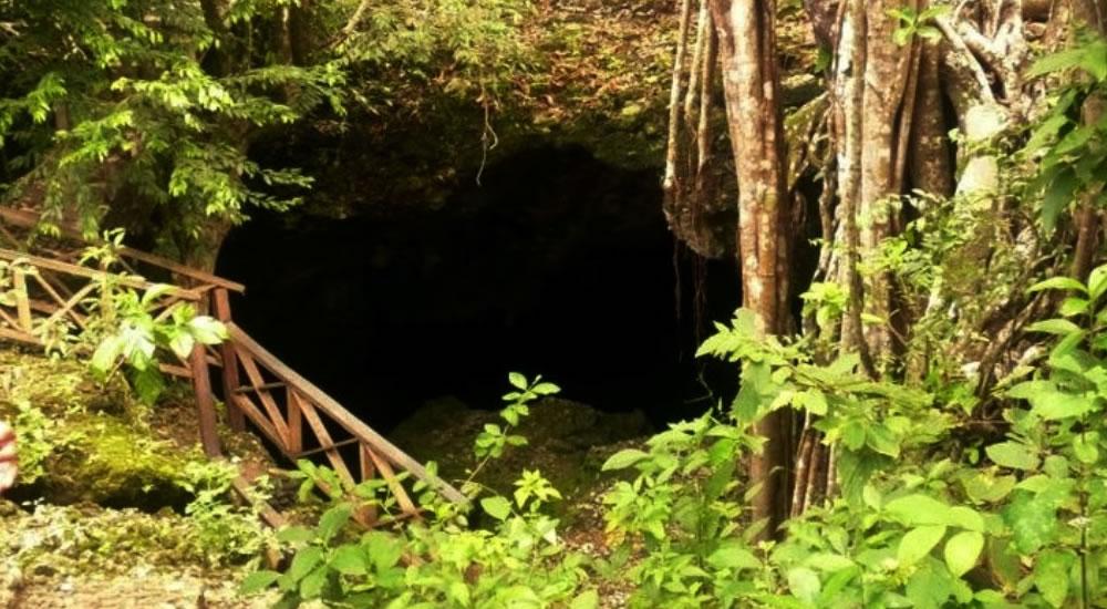 La Cueva de Morgan com as crianças em San Andrés