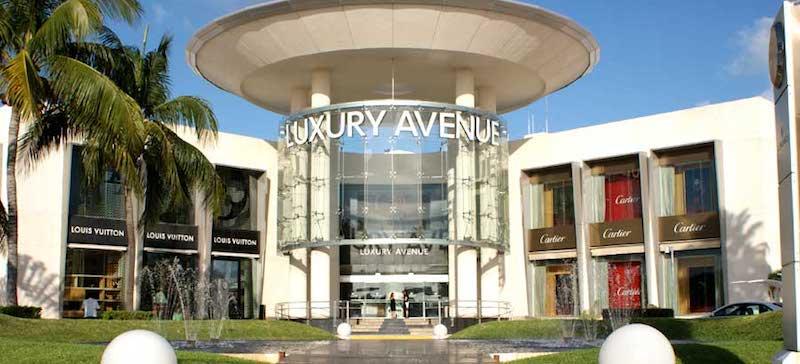 Luxury Avenue no Kukulcan Plaza em Cancún