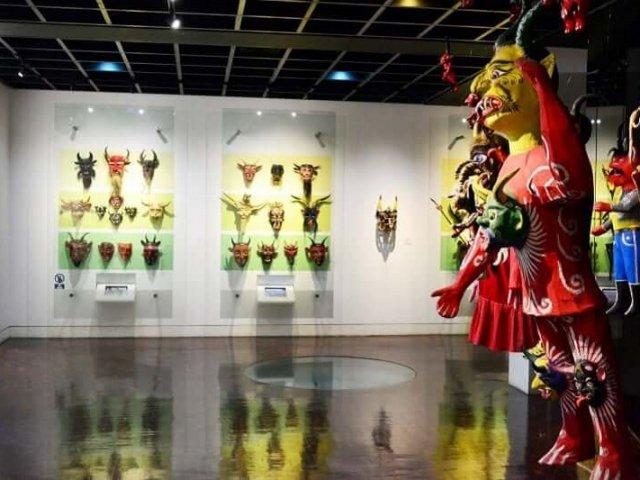 Museu de Arte Popular em Cancún no México