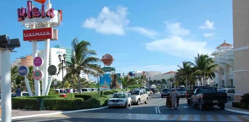 Como chegar no Shopping Plaza La Isla em Cancún